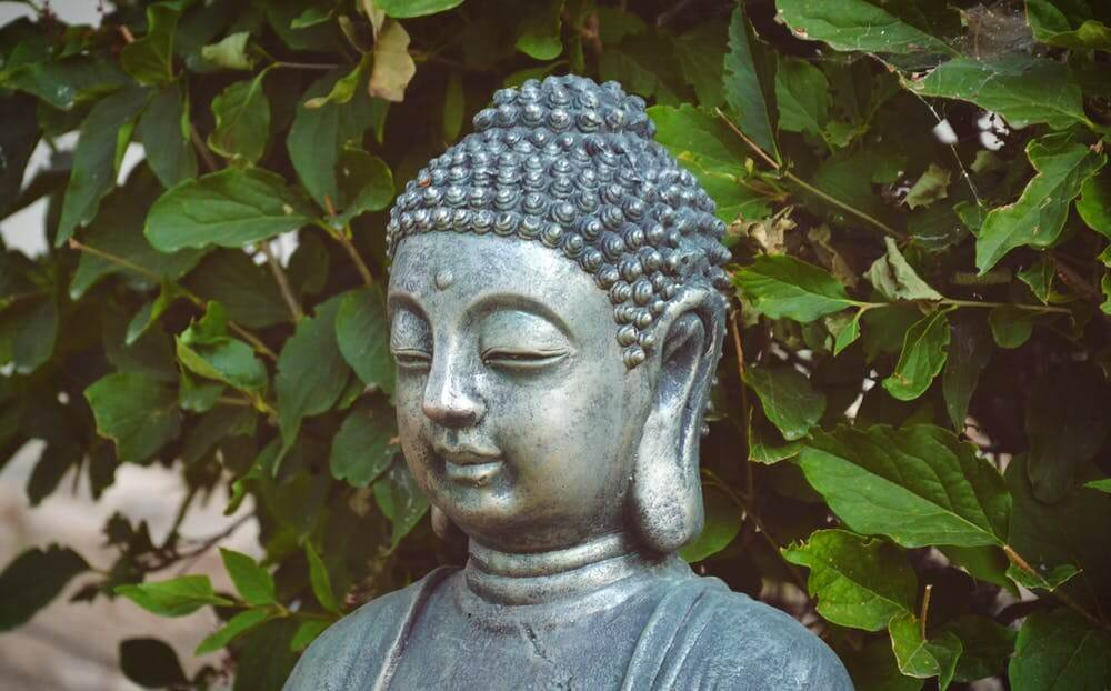 Silent Buddha And The Rich Man - A Buddhist Story.